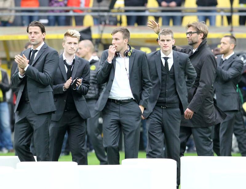 Die Wembley-Mannschaft beim Empfang in Dortmund
