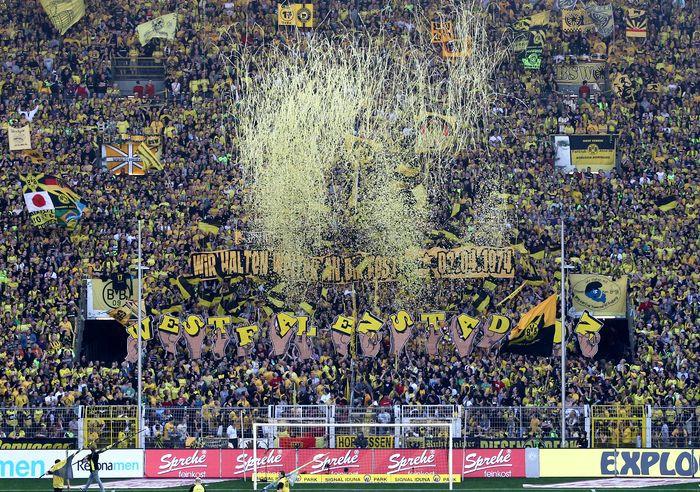 Westfalenstadion, Konfettiregen, 37 Jahre, Best of Fans - Best of Fans - '37 Jahre Westfalenstadion'