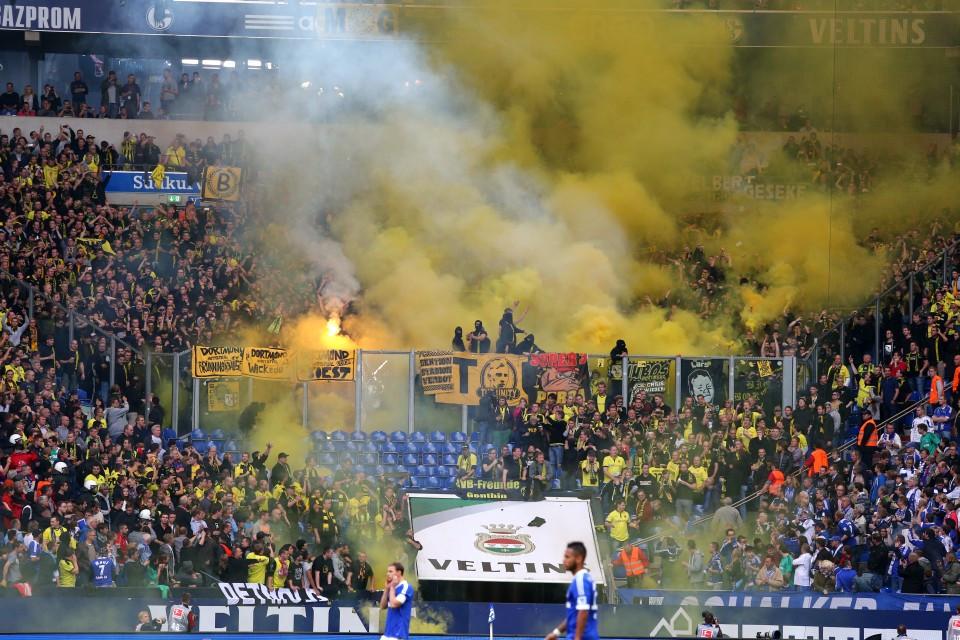 Ein ähnliches Polizeivorgehen traf den BVB 2013 nach dem Derby