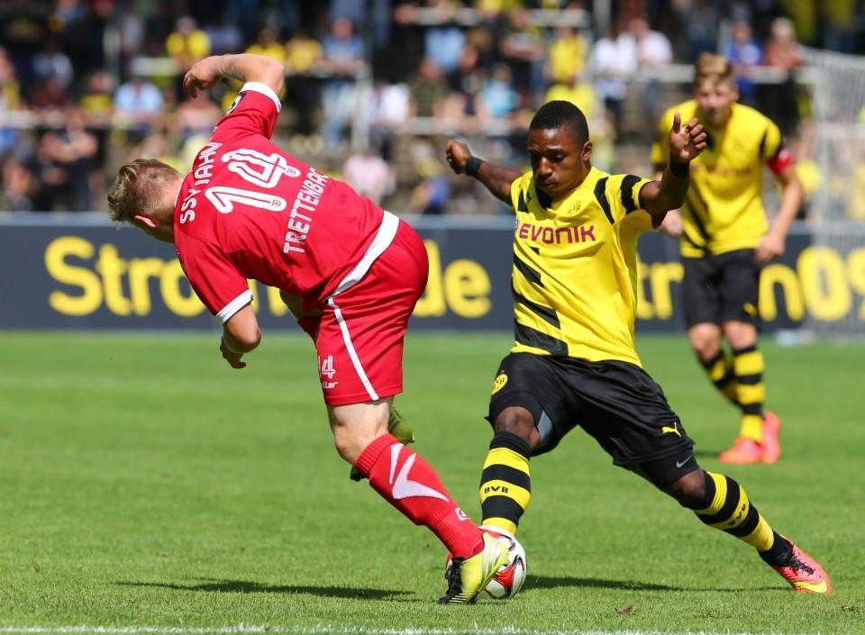 Bei einem seiner (leider) wenigen Einsätze für den BVB: Gyau
