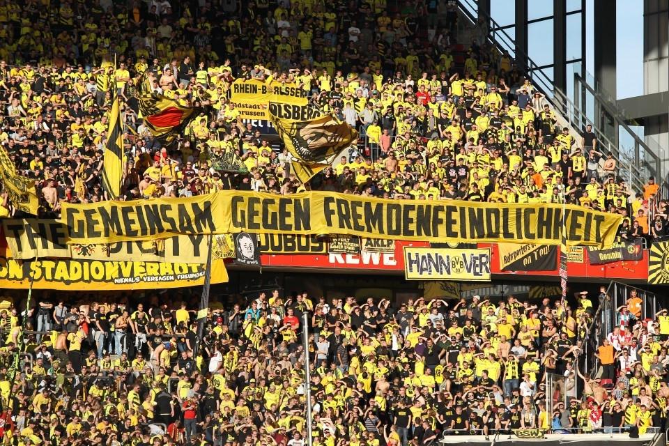 Der Gästeblock in Köln wird auch diesmal wieder voll sein.