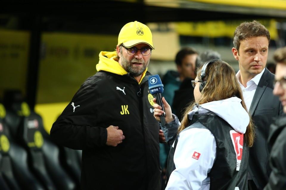 Jürgen Klopp vor dem Sportschau-Mikro