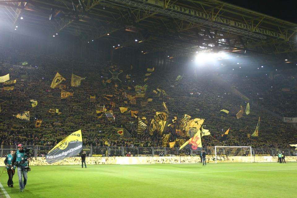 Nur ein Vorzug der Bundesliga: Volle Stadien!