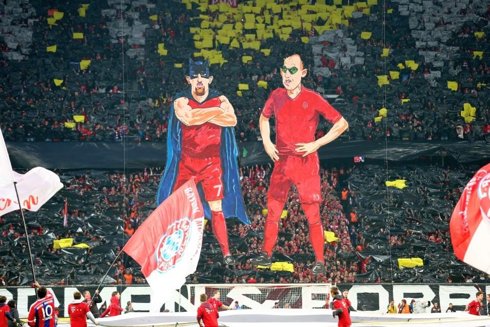 Die FCB Fans arbeiten sich am BVB ab, Teil1