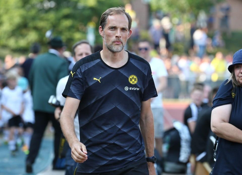 Für Thomas Tuchel wird es beim BVB zum ersten Mal ernst.