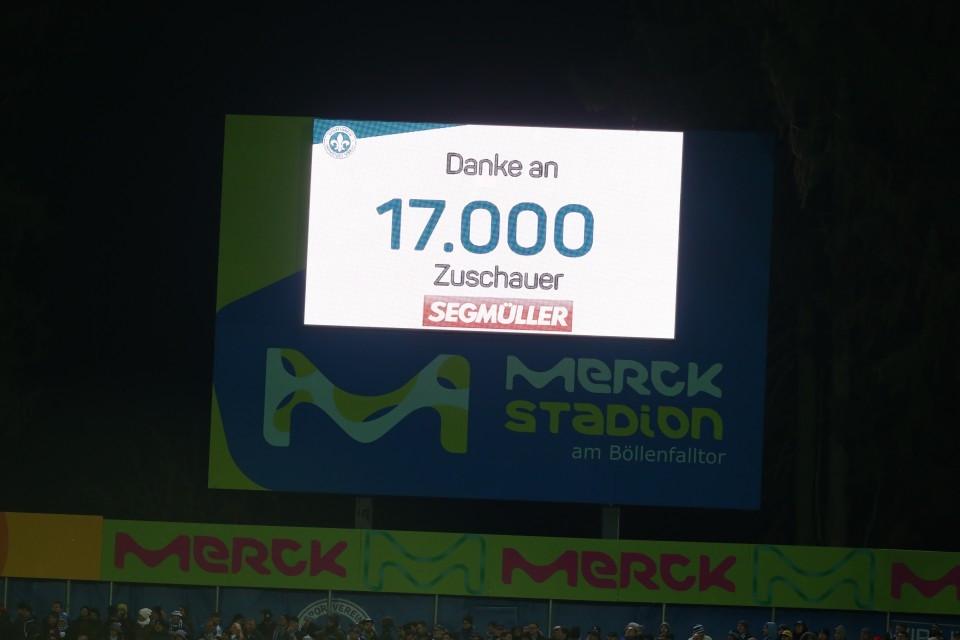 Die Maximalkapazität wurde nicht erreicht - nur 14.800 Zuschauer durften dabei sein