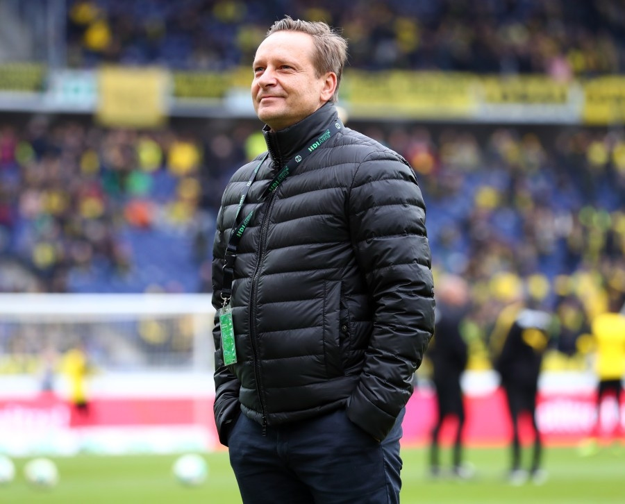 201718, 1. Bundesliga, Fussball, Fußball, GER, 1.BL, 1. BL, Herren, Saison, Sport, football, Halbfigur, halbe Figur, Halbkoerper - Hannover 96 - BVB