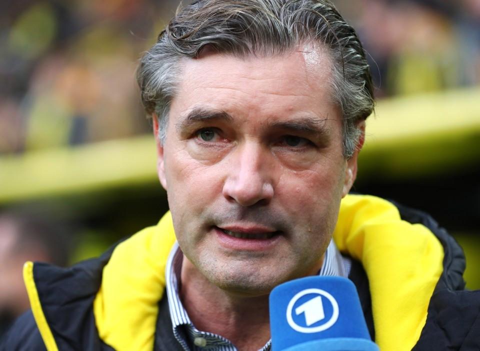 201718, 1. Bundesliga, Fussball, Fußball, GER, 1.BL, 1. BL, Herren, Saison, Sport, football, Derby, Mikrofon, Portrait - BVB - Gelsenkirchen