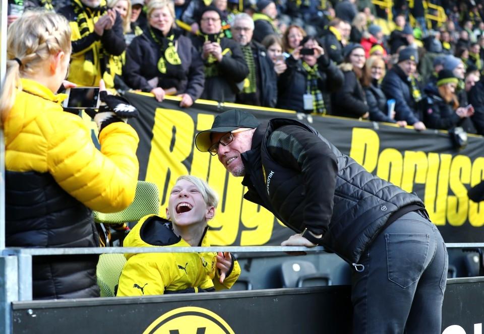 201718, 1. Bundesliga, Fussball, Fußball, GER, 1.BL, 1. BL, Herren, Saison, Sport, football, Halbfigur, halbe Figur, Halbkoerper - BVB - SC Freiburg