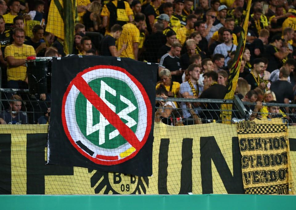 Banner beim Pokalspiel in Fürth