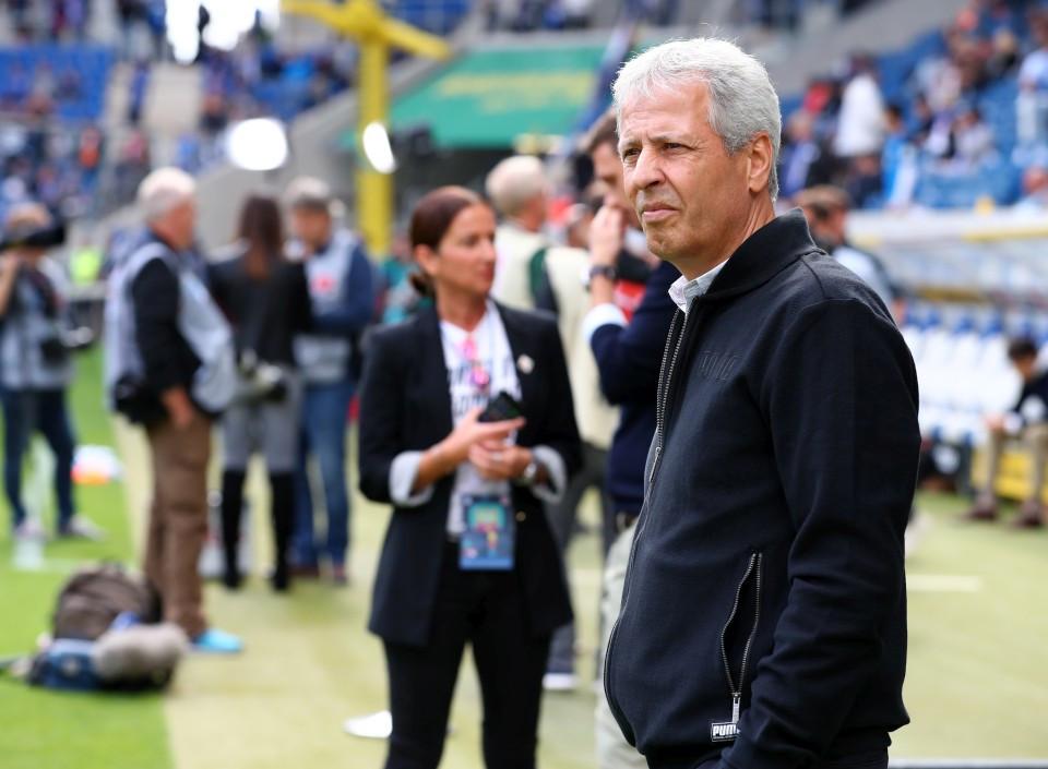 Böse Miene zum guten Spiel: Lucien Favre.