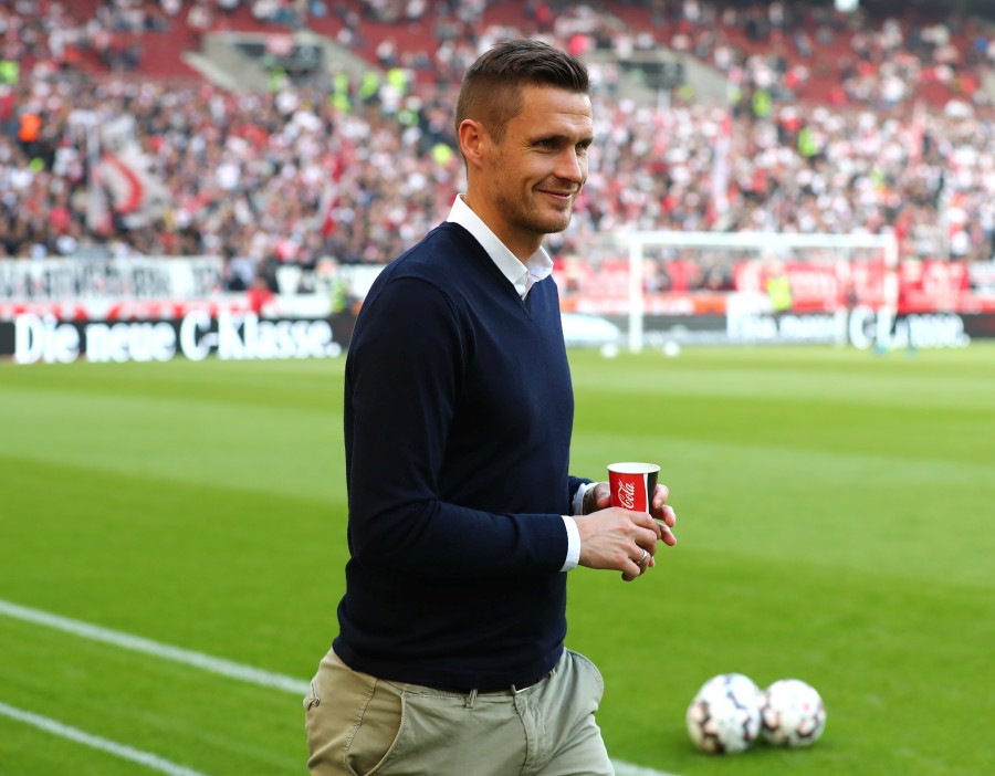 201819, 1. Bundesliga, Fussball, Fußball, GER, 1.BL, 1. BL, Herren, Saison, Sport, football, Halbfigur, halbe, Figur, Halbkörper - VfB Stuttgart - BVB