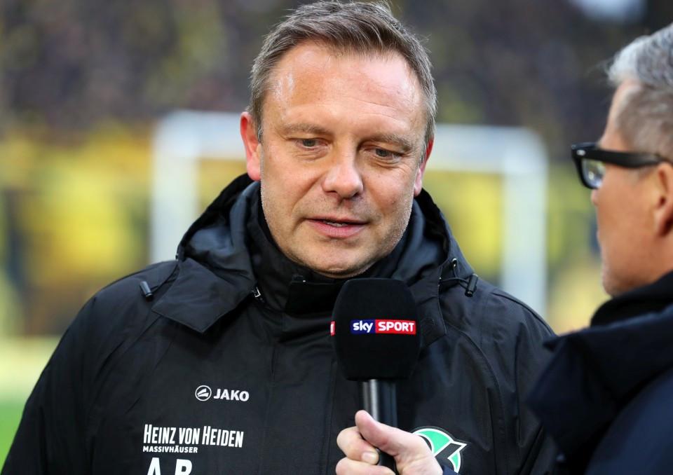 201819, 1. Bundesliga, Fussball, Fußball, GER, 1.BL, 1. BL, Herren, Saison, Sport, football, Portrait, Mikrofon - BVB - Hannover 96