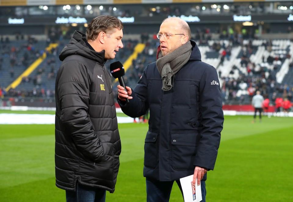 201819, 1. Bundesliga, Fussball, Fußball, GER, 1.BL, 1. BL, Herren, Saison, Sport, football, Halbfigur, halbe, Figur, Halbkörper, Mikrofon - Eintracht Frankfurt - BVB
