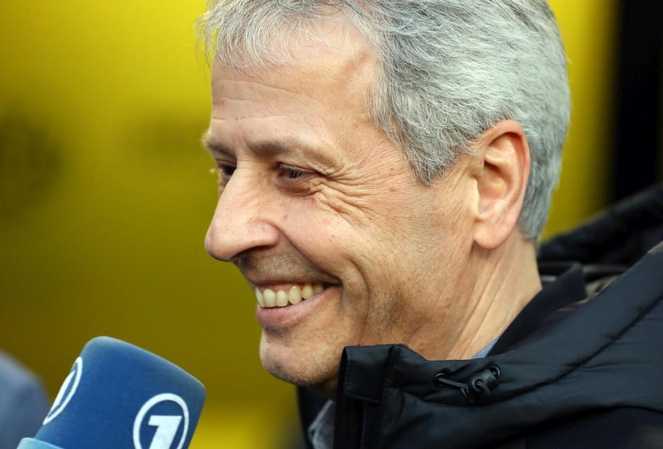 201819, 1. Bundesliga, Fussball, Fußball, GER, 1.BL, 1. BL, Herren, Saison, Sport, football, Portrait, Mikrofon, lächeln, lachen, scherzen, Emotion, grinsen - BVB - Bayer 04 Leverkusen