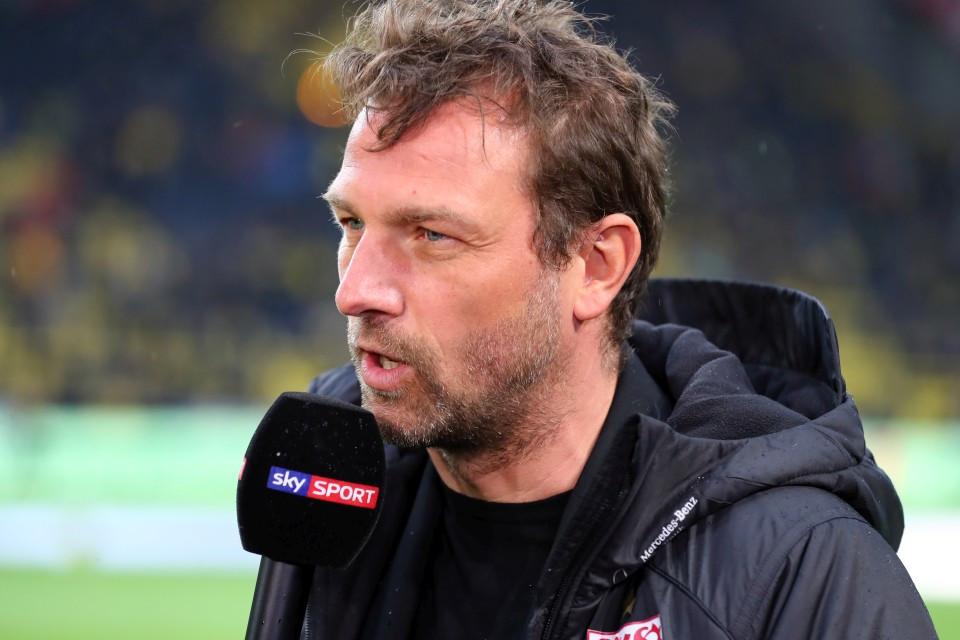201819, 1. Bundesliga, Fussball, Fußball, GER, 1.BL, 1. BL, Herren, Saison, Sport, football, Halbfigur, halbe, Figur, Halbkörper, Mikrofon - BVB - VfB Stuttgart