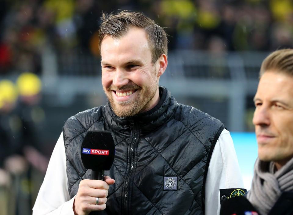 201819, 1. Bundesliga, Fussball, Fußball, GER, 1.BL, 1. BL, Herren, Saison, Sport, football, lächeln, lachen, scherzen, Emotion, grinsen - BVB - VfB Stuttgart