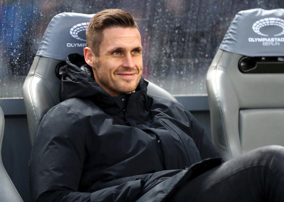 201819, 1. Bundesliga, Fussball, Fußball, GER, 1.BL, 1. BL, Herren, Saison, Sport, football, Berlin, Berliner, Sportclub, Halbfigur, halbe, Figur, Halbkörper, lächeln, lachen, scherzen, Emotion, grinsen - Hertha BSC - BVB