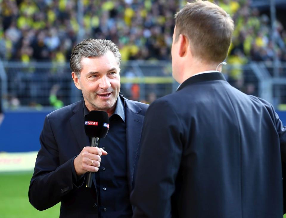 201819, 1. Bundesliga, Fussball, Fußball, GER, 1.BL, 1. BL, Herren, Saison, Sport, football, Portrait, Mikrofon, besprechen, austauschen, unterhalten - BVB - VfL Wolfsburg