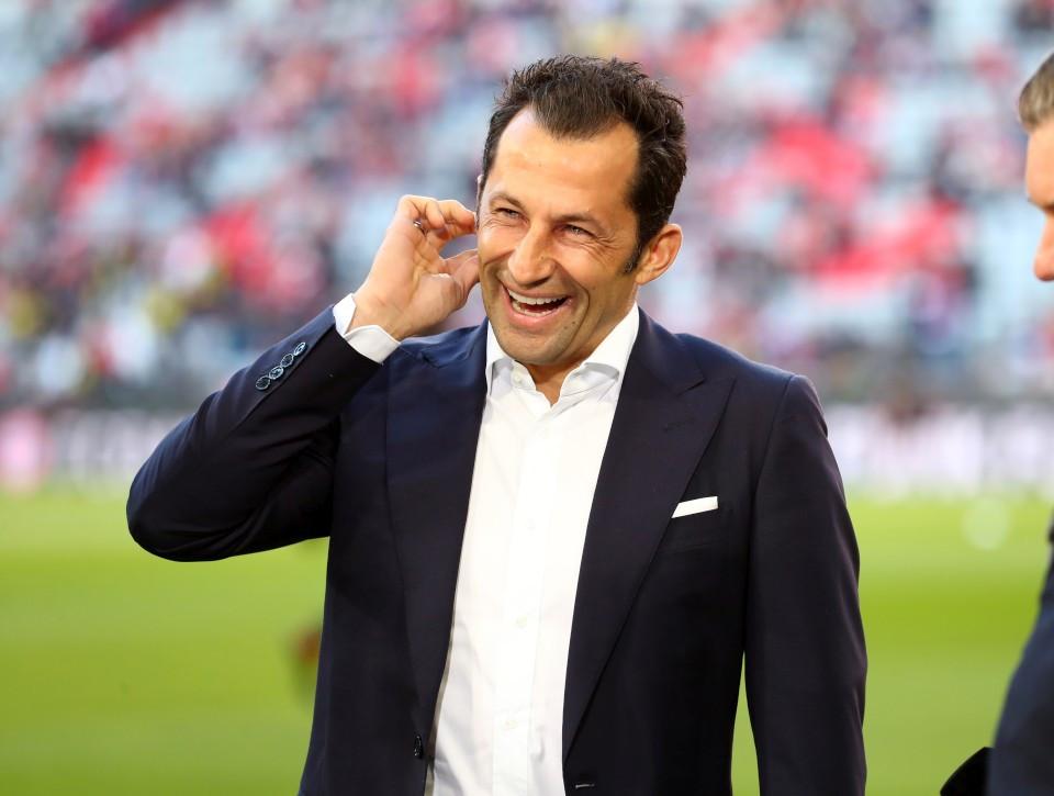 201819, 1. Bundesliga, Fussball, Fußball, GER, 1.BL, 1. BL, Herren, Saison, Sport, football, Halbfigur, halbe, Figur, Halbkörper, lächeln, lachen, scherzen, Emotion, grinsen, Gestik, Handbewegung - FC Bayern München - BVB