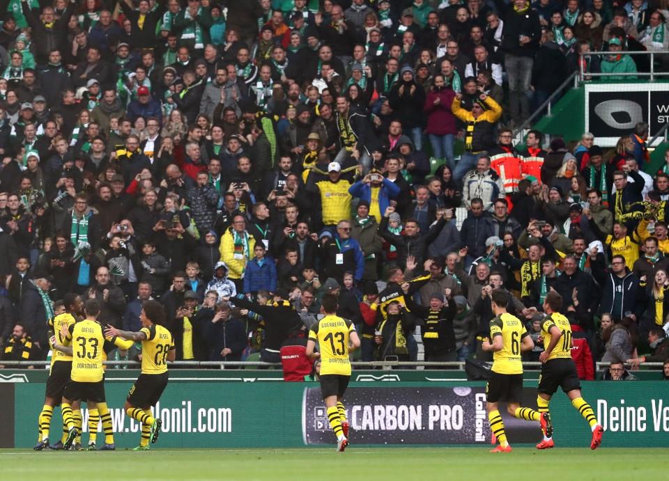 201819, 1. Bundesliga, Fussball, Fußball, GER, 1.BL, 1. BL, Herren, Saison, Sport, football, Jubel, Freude, Emotion, jubeln, feiern - SV Werder Bremen - BVB
