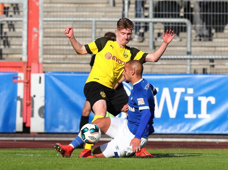 201819, Bundesliga, Fussball, Fußball, GER, 1.BL, 1. BL, Junioren, Saison, Sport, football, U19, Zweikampf, Aktion, Duell - Gelsenkirchen U19 - BVB U19