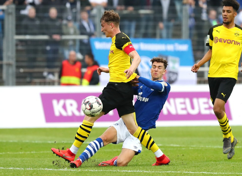 201819, Bundesliga, Fussball, Fußball, GER, 1.BL, 1. BL, Junioren, Saison, Sport, football, U19, Zweikampf, Aktion, Duell - BVB U19 - Gelsenkirchen U19