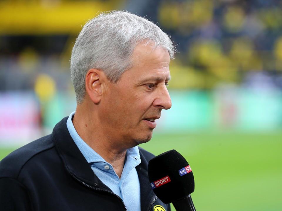 201920, 1. Bundesliga, Fussball, Fußball, GER, 1.BL, 1. BL, Herren, Saison, Sport, football, Halbfigur, halbe, Figur, Halbkörper - BVB - FC Augsburg