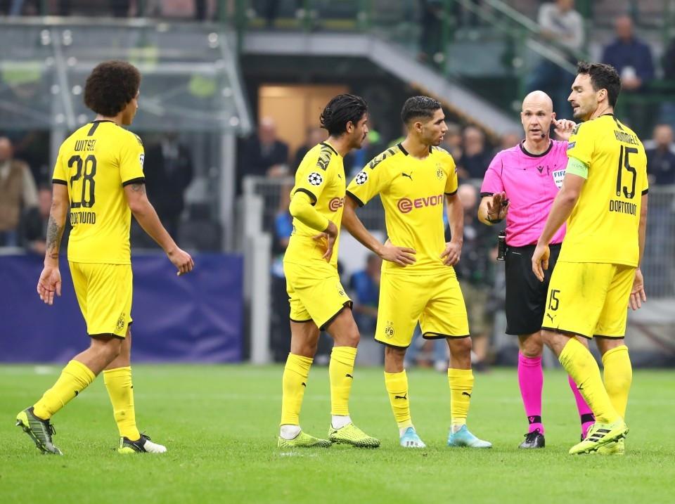 201920, Fussball, Fußball, UEFA, Herren, Saison, Sport, football, Gruppenphase, Vorrunde, UCL, besprechen, austauschen, unterhalten - Inter Mailand - BVB