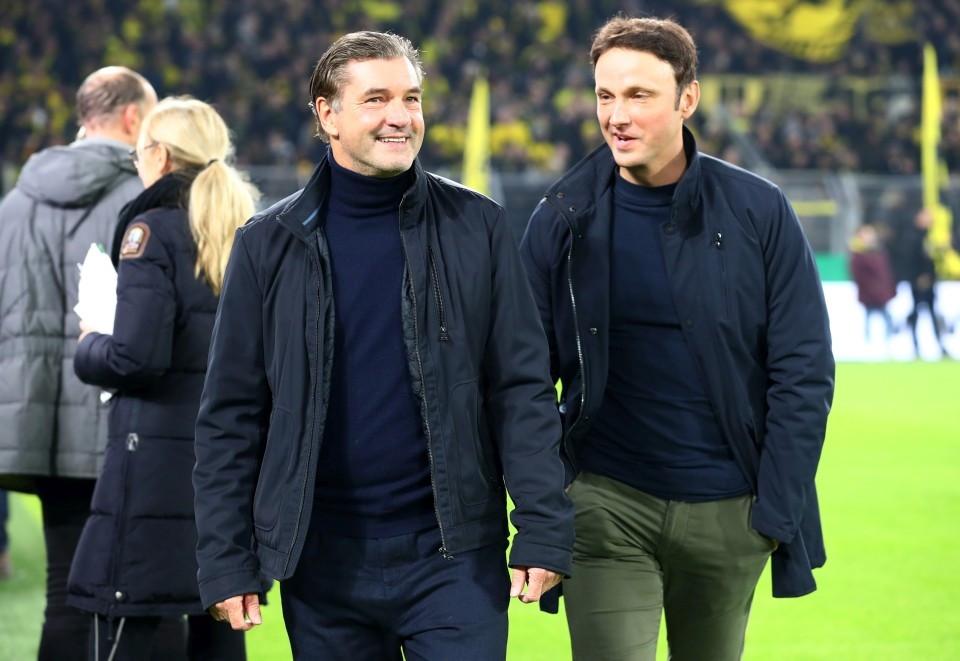 20192020, Vereinspokal, Fussball, Fußball, GER, Herren, Saison, Sport, football, Halbfigur, halbe, Figur, Halbkörper, lächeln, lachen, scherzen, Emotion, grinsen, besprechen, austauschen, unterhalten - BVB - Borussia Mönchengladbach
