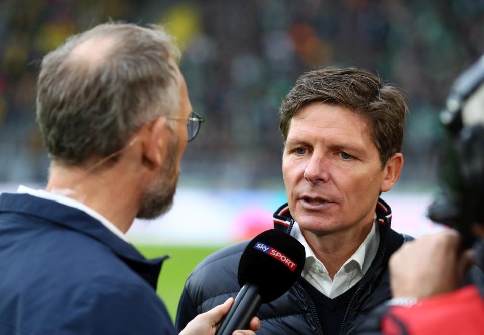 201920, 1. Bundesliga, Fussball, Fußball, GER, 1.BL, 1. BL, Herren, Saison, Sport, football, Portrait, Mikrofon - BVB - VfL Wolfsburg
