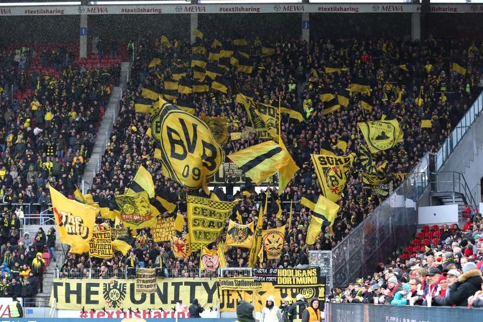 201920, 1. Bundesliga, Fussball, Fußball, GER, 1.BL, 1. BL, Herren, Saison, Sport, football, Supporters, Fans, Zuschauer, anfeuern, Anfeuerung, Unterstützung, Auswärtskurve, Fankurve, Auswärtsfans, frenetisch, Gästefans, Gästekurve - 1. FSV Mainz 05 - BVB