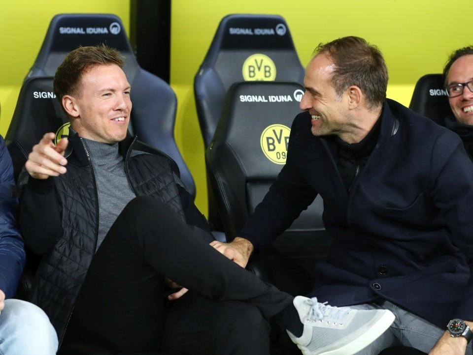 201920, 1. Bundesliga, Fussball, Fußball, GER, 1.BL, 1. BL, Herren, Saison, Sport, football, Halbfigur, halbe, Figur, Halbkörper, besprechen, austauschen, unterhalten, lächeln, lachen, scherzen, Emotion, grinsen - BVB - Leipzig
