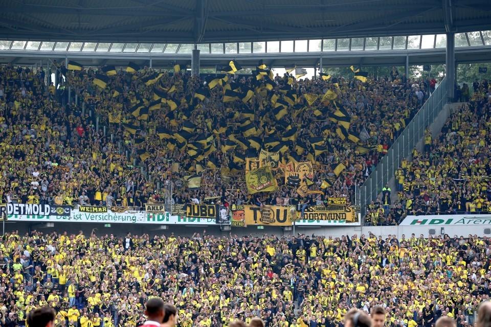 Auch diesmal dürfte der Gästeblock voll werden. Fast 5.000 BVB-Fans reisen mit nach Hannover.